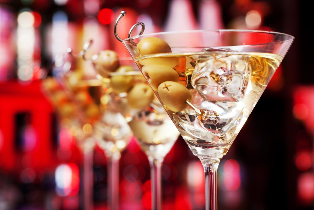 cocktail party london - 15 Romantic Things To Do In London For Couples Madly In Love!